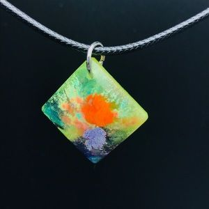 Glow resin pendant fluorescent colorful necklace